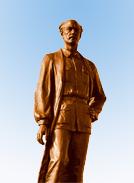 白求恩铜像