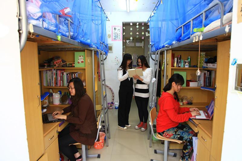 整洁温馨的学生宿舍
