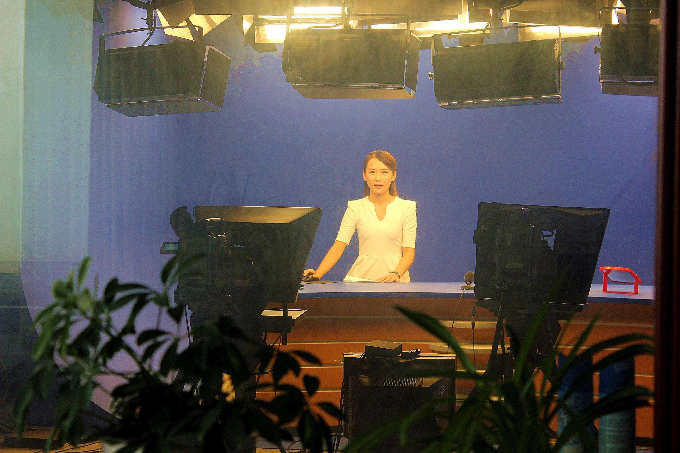 现代化的影视演播厅